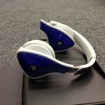 monster-dna-headphones-sideview