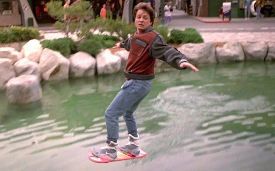 Back-to-the-Future-II-Hoverboard-550x343